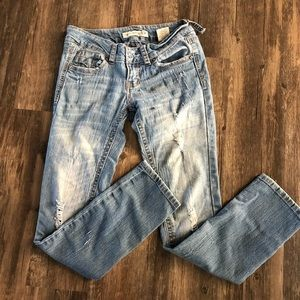 Paris. Lies Distressed Skinny Jeans